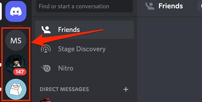 Select a Discord server.