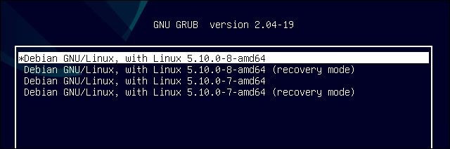Two cores with recovery mode settings set as boot options in GRUB on Debian 11