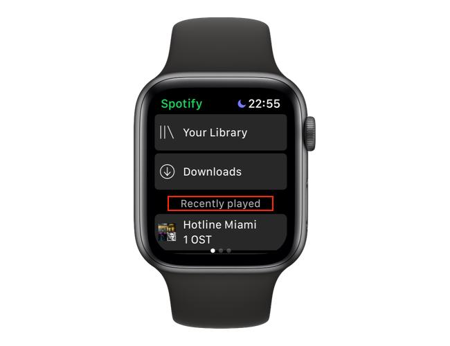 """Откройте приложение Spotify на Apple Watch и проводите пальцем влево, пока не окажетесь на """"Недавно играли"""" экран."""