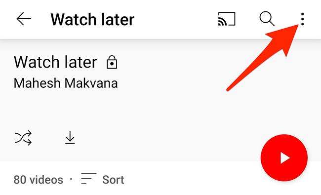 """Toque nos três pontos na página """"Assistir mais tarde"""" no aplicativo do YouTube."""