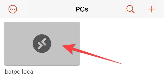 Toque no nome do PC para iniciar uma conexão de área de trabalho remota.