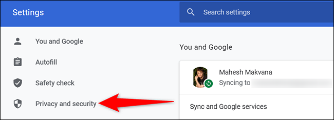 """Fai clic su """"Privacy e sicurezza"""" nella pagina """"Impostazioni"""" in Chrome sul desktop."""