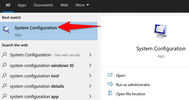 """Trova e fai clic su """"Configurazione di sistema"""" nel menu """"Start""""."""