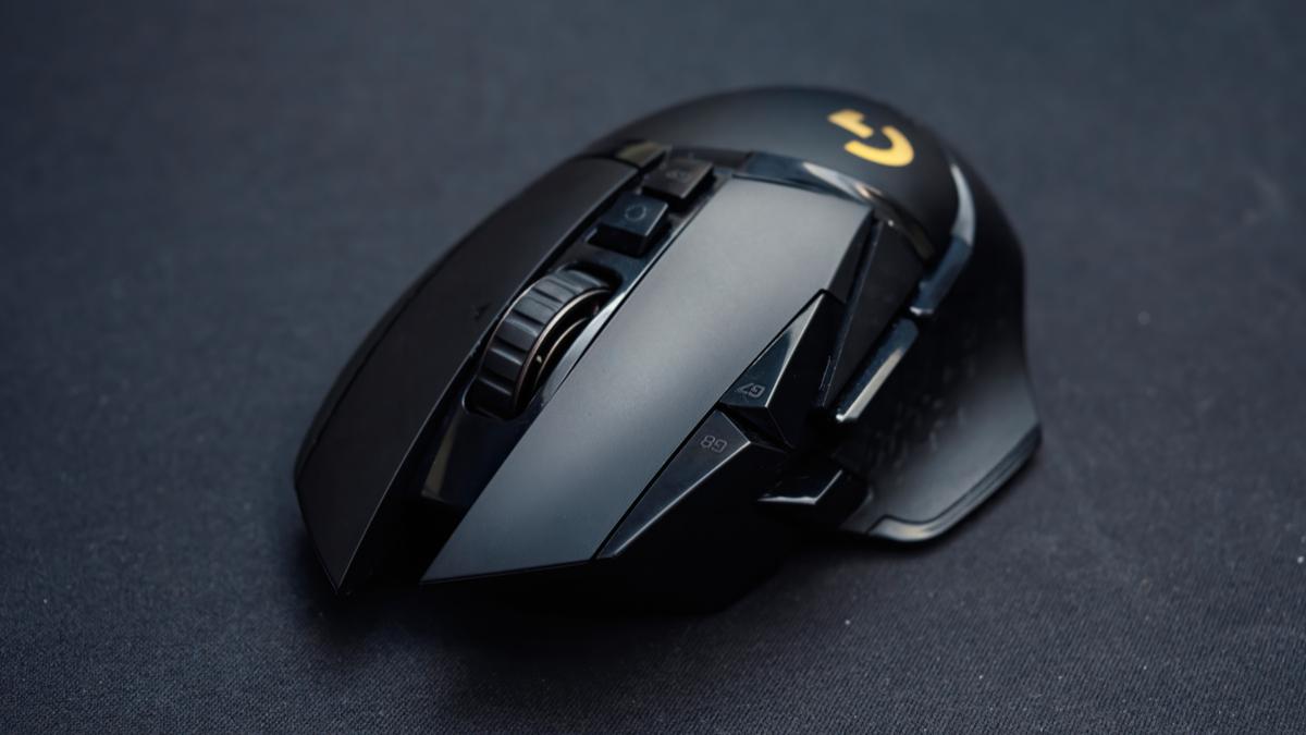 Logitech G502 on black mousepad