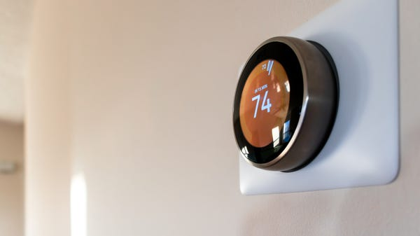 How-To Geek's Best Smart Home Gifts for Holiday 2021