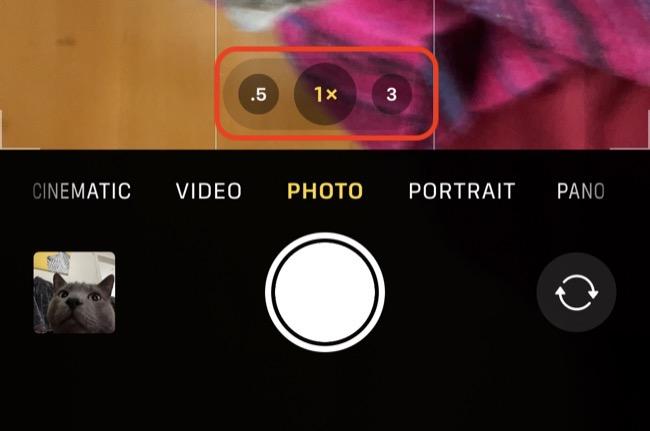 iPhone Camera Zoom Toggle