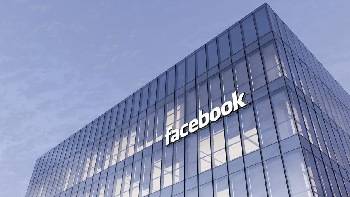 Facebook sulla costruzione