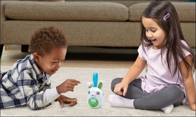 children using the on-the-go story pal