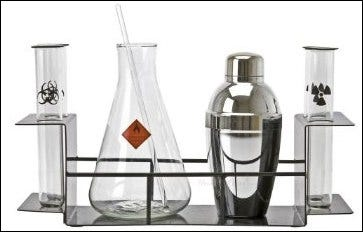 Picture of a chemistry-themed cocktail set.